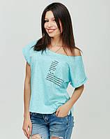 Голубая футболка свободного кроя