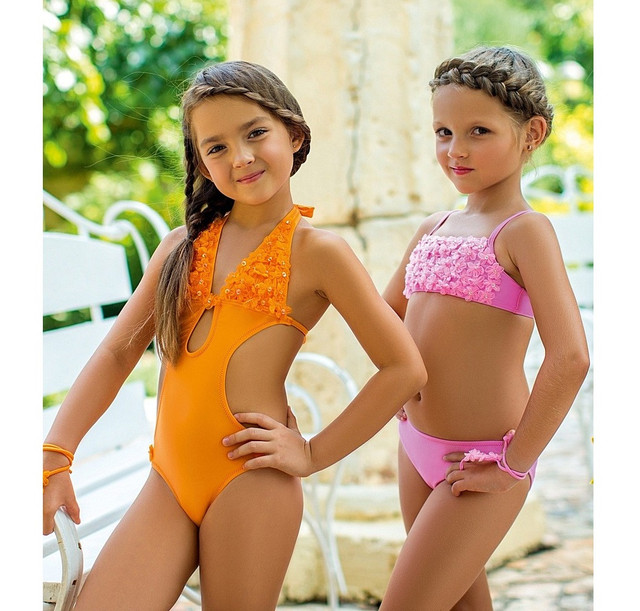 Купальники, плавки для девочек