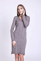 Соблазнительное полуприлегающее платье с v-образным вырезом