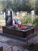 Памятник габбро-капустянский гранит, фото 1