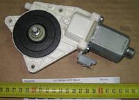 Мотор стеклоподъемника правый (пр-во SsangYong) 8810009012