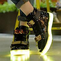 Кроссовки черные LED (высокие с бляхой)