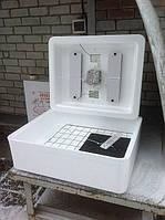 Инкубатор для яиц с автоматическим переворотом Несушка БИ-1(БИ-2) на 70 яиц с выходом на 12В