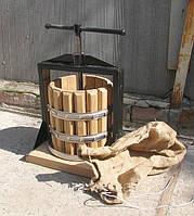 """Пресс для винограда в объеме 10 л дубовый """"Vеgis"""""""
