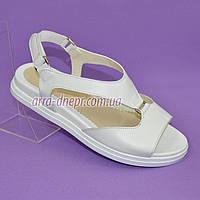 Женские кожаные белые босоножки на низком ходу от производителя, фото 1