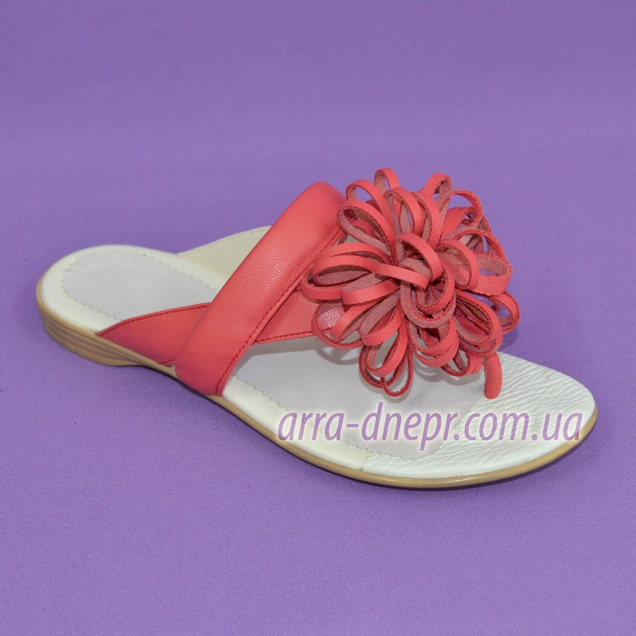 Женские кожаные шлепанцы-вьетнамки от производителя. Цвет коралл
