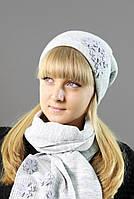 Женский вязанный набор состоит из шарфа и шапки