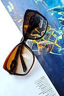Модные женские очки стрекоза