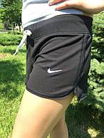 Женские шорты Nike черные