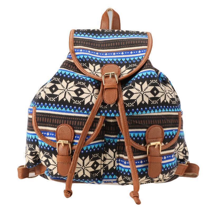 Стильный рюкзак с ярким орнаментом