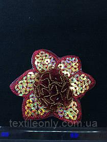 Аплікація з золотими лелітками квітка , колір темно червоний