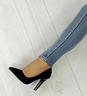Удобные и модные женские туфли черного цвета на шпильке  размеры 35-40