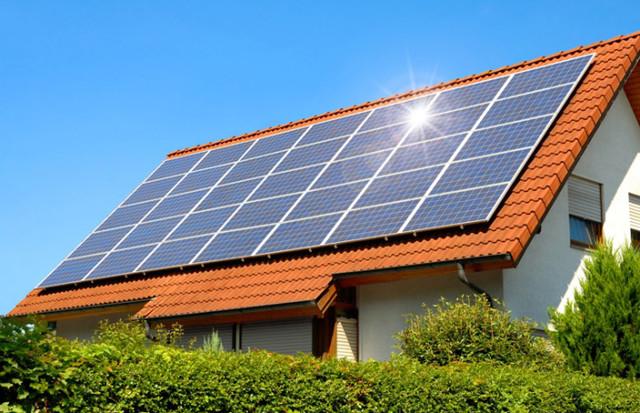 Солнечные панели на доме