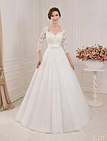 Нежное свадебное платье А - силуэта с роскошной аппликацией