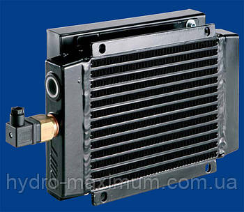 Воздушный маслоохладитель (теплообменник) OMT ST502400A (без лап)