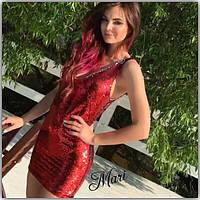 Платье с пайетками и глубоким декольте