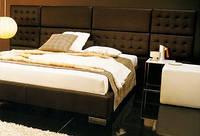 Двуспальная кровать с мягкими стеновыми панелями на заказ в Украине