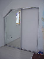 Скошенная межкомнатная дверь