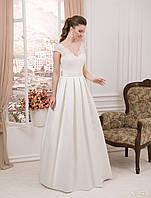 Безупречное А - силуэтное свадебное платье с неотразимым V- образным вырезом