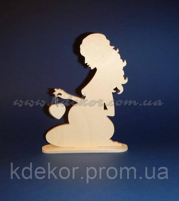 Девушка с сердечком заготовка для декупажа и декора