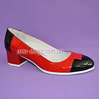 Женские кожаные классические туфли на невысоком каблуке, черный/красный цвет, фото 1