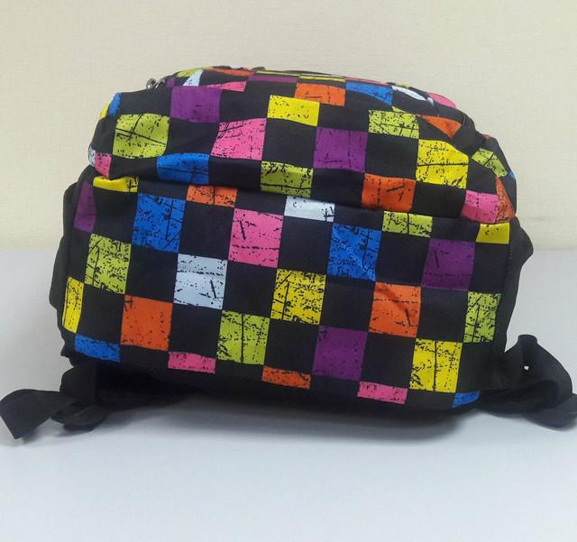 Школьный рюкзак с геометрическим узором