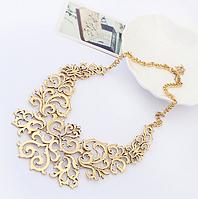 Стильное колье ожерелье женское золотистое
