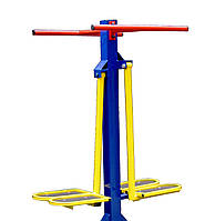Тренажер уличный для мышц бедра.