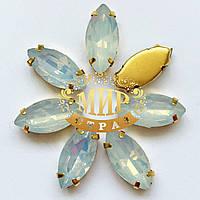 Cтразы в золотых цапах  Лодочка 7х15мм Цвет White Opal