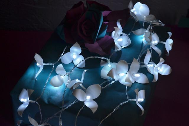 Гирлянды на батарейках цветочные