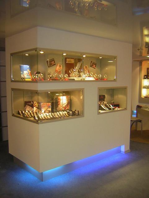 Выставочное оборудование по индивидуальным проектам