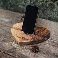 Деревянная подставка для смартфона или планшета Сердце