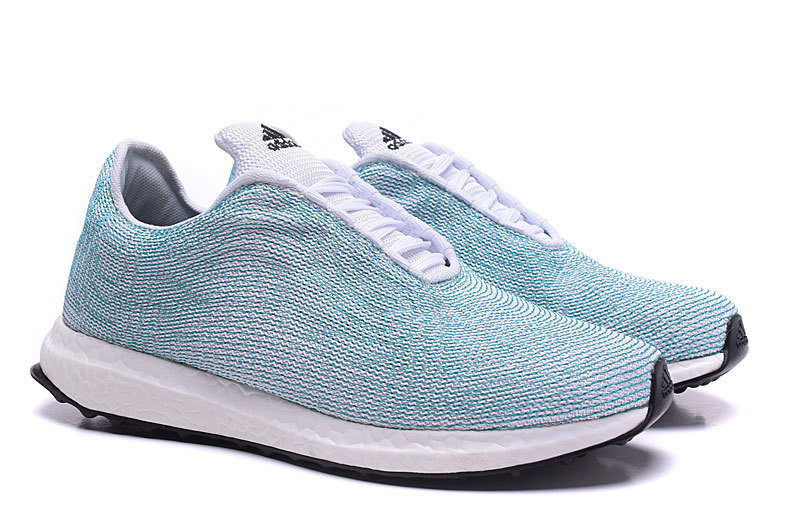 Кроссовки женские Adidas Ultra Boost x Parley for the Oceans / ADW-926