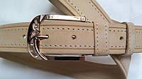 Кожаный женский ремень 40 мм песочный с бежевой ниткой пряжка золотая со стразами