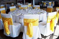 Аренда красивого банкетного текстиля, прокат чехлов на стулья, скатерти и фуршетные юбки на столы