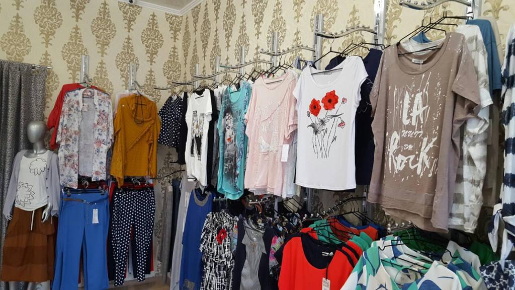 Торговое оборудование магазина одежды в Измаиле