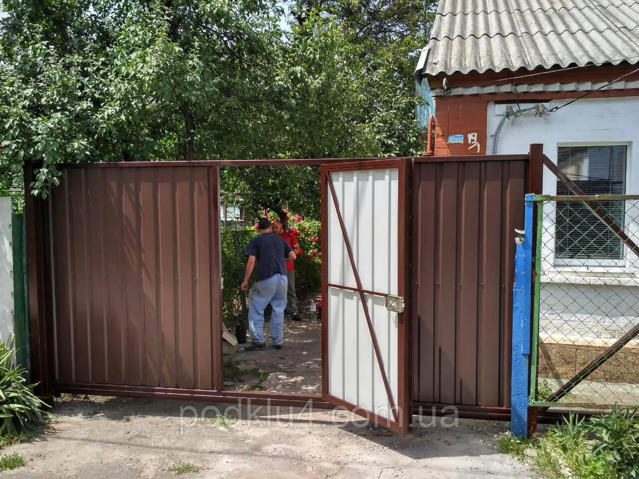 Автоматические откатные ворота со встроенной калиткой