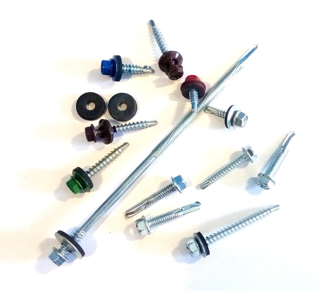 Кровельные саморезы (для крепления профнастила, металлочерепицы, заборов, стальных конструкций)
