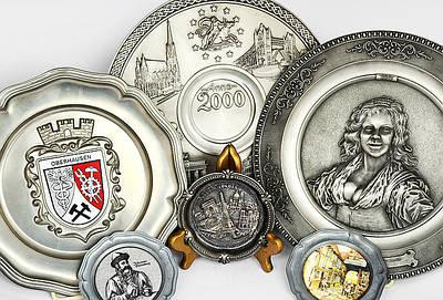 Коллекционные оловянные тарелки, барельефы, картины, настенный декор