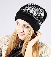 Женская шапка в стразы