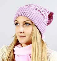 Женская шапка насыщенного розового цвета