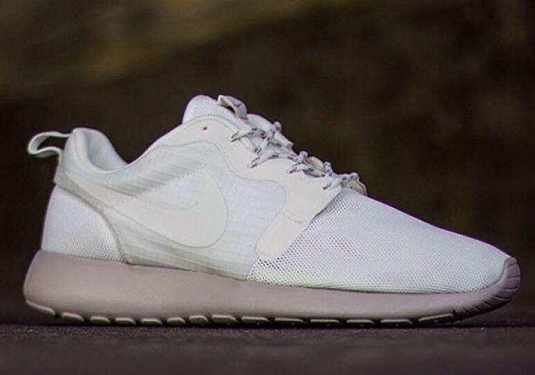 Кроссовки Nike Roshe Run Hyperfuse Sail
