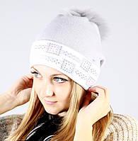 Женская шапочка в пастельных тонах
