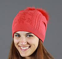 Модная коралловая шапка