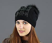 Женская черная шапка с помпоном