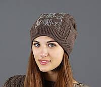 Теплая зимняя шапка с меховым бубоном