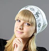 Белоснежная шапка с рисунком