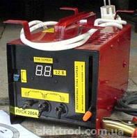 Пускозарядное устройство ТОР-200 для заряда аккумуляторов 12В, ток пуска 200А
