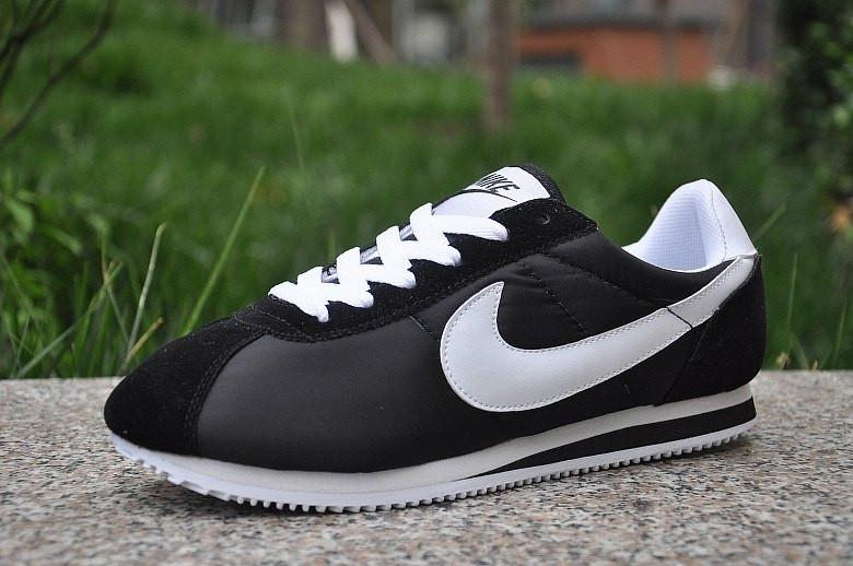 a7a6c85b Мужские кроссовки Nike Cortez Черные с белым 41, цена 690 грн., купить  Кузнецовск — Prom.ua (ID#317617784)