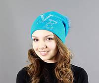 Шапка на зиму нежно голубого цвета